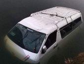 تمركز 9 سيارات للإنقاذ النهرى والإسعاف فى محيط سقوط ميكروباص بترعة المريوطية