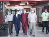 صور .. تعافى وخروج 311 حالة مصابة بفيروس كورونا من قنا العام