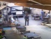 فرنسية تحطم مطعما من خلال شاحنة تقودها والشرطة تودعها قسم الأمراض النفسية