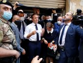 لبنانية لماكرون: لا تعطوا المال للحكومة الفاسدة.. ورئيس فرنسا: لا تقلقى.. فيديو