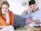 5 أسرار يخفيها الرجال عن زوجاتهم.. الأزمات المالية والرغبة فى البكاء أبرزها