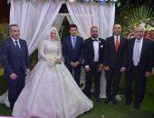صور.. وزير الشباب يشارك فى حفل زفاف النائبة البرلمانية مى محمود