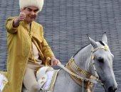 رئيس تركمانستان يطلق كتابا عن القيم الروحية ويجعل قراءته إلزامية