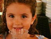 كارول سماحة تنشر صورة طفلة ضحية تفجير بيروت: الله يصبر أهلها على خسارتها