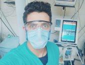 إسلام فنى تمريض بمستشفى المنصورة ضمن الجيش الأبيض فى مواجهة كورونا