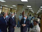 محافظ المنيا يتفقد عددا من مقار اللجان لانتخابات مجلس الشيوخ.. صور
