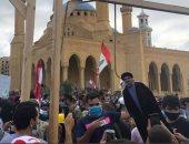 لبنانيون يعلقون دمية حسن نصر الله في المشنقة.. ويهتفون: إرهابي (فيديو وصور)