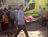 العثور على جثة طفل حديث الولادة ملقاة وسط القمامة بكفر الزيات.. صور وفيديو
