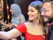 """أحمد زاهر فى أحدث ظهور له مع زوجته وبناته: """"كل ما أملك بحبكو"""""""