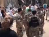 لبنانيون يوبخون الحرس الرئاسى أثناء تأمين زيارة ميشيل عون لحى الجميزة.. فيديو