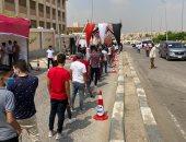 صور.. طوابير الشباب تمتد خارج اللجان الانتخابية بالقاهرة
