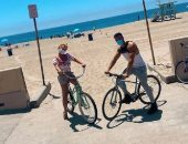 بريتني سبيرز تستمع بركوب الدراجة على البحر: ذهابى إلى الشاطئ يشعرنى بالسلام