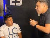 """حمو بيكا لـ عمر كمال: """"ما بشتغلش 45 دقيقة هما ساعة إلا ربع بس"""".. فيديو"""