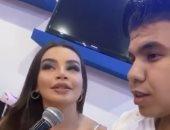 جوهرة تفشل فى تعليم عمر كمال غناء مهرجانات روسية.. فيديو