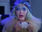 كاتى بيرى تطلق نسخة إنيميشن من SMILE وتحقق أكثر من 2.4 مليون مشاهدة