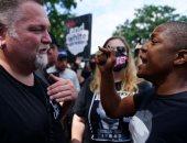 اشتباكات بين متظاهرين سود وأعضاء المنظمات اليمينية بولاية جورجيا الأمريكية