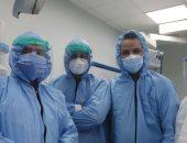 الجيش الأبيض .. فريق طبى بالأحرار التعليمى يجرى عملية جراحية لمريضة كورونا