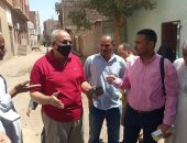 رئيس مركز كوم أمبو يبحث شكاوى المواطنين ويوجه المسئولين بسرعة إيجاد حل (صور)