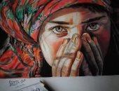 """""""عزية الغمرى"""" تشارك صحافة المواطن برسومات فنية بالفحم والرصاص"""
