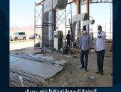 """محافظ جنوب سيناء يتفقد أعمال """"اللاند سكيب"""" والميادين بنطاق جامعة الملك سلمان"""