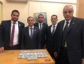 جمارك مطار القاهرة تحبط محاولة تهريب كمية من النقد الأجنبى