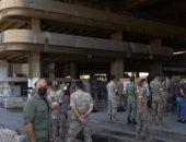 جنود فرنسيون يشاركون في تنظيف محطة حافلات تضررت من انفجار بيروت.. فيديو