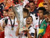 قائد إشبيلية: عانينا من أجل التتويج بلقب الدوري الأوروبي
