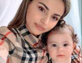 """""""أزاليا"""" أصغر موديل.. عمرها 17 شهر ويتابعها أكثر من 13 ألفا عبر انستجرام"""
