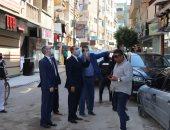 صور .. محافظ كفر الشيخ يقود حملة لإزالة الاشغالات ويتفقد توسعة وتطوير عدد من الشوارع