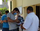 توافد طلاب المرحلة الأولى للتنسيق على معامل جامعة عين شمس.. صور