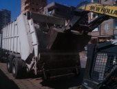 استمرار أعمال النظافة ورفع القمامة من الشوارع بحى ثان المحلة