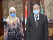 محافظ المنيا يستقبل أول كفيفه رئيسا لقسم ذوى الاحتياجات الخاصة بمكتبة مصر العامة