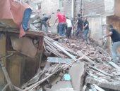 قوات الحماية المدنية تنقذ 3 عالقين بعقار منهار جزئي بالاسكندرية