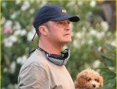 أورلاندو بلوم فى جولة مع كلب كاتى بيرى قبل ولادتها.. صور