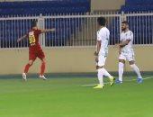 فيديو.. الأهلى بعشرة لاعبين يسقط أمام ضمك بثنائية فى الدوري السعودي