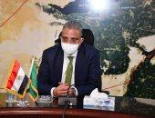محافظ الفيوم يؤكد تطبيق الإجراءات الاحترازية داخل لجان الانتخابات.. فيديو