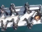 الضفادع البشرية الصينية تتدرب على التصويب والاختراق تحت الماء.. فيديو