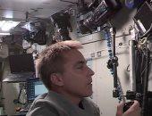 رائد بوكالة ناسا يتلقى مكالمة من طلاب كنديين فى الفضاء..اعرف سألوه عن إيه