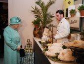 أكلة يعشقها الملايين ولا تحبها ملكة بريطانيا على طاولة طعامها.. اعرفها