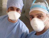 """الجيش الأبيض.. """"أحمد"""" مشرف تمريض يواجه كورونا بمستشفى جامعة أسيوط"""