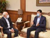 وزير الشباب والرياضة يزور بورسعيد والمحافظ يستقبله بمقر المحافظة.. صور