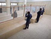 السجناء يستقبلون ذويهم بالكمامة والإجراءات الاحترازية.. فيديو