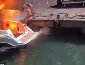 كاميرات المراقبة ترصد لحظة انفجار قارب فى ميناء بإيطاليا.. فيديو وصور