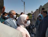صور.. وزيرة الصحة تزور مقر الوحدة الصحية بالحبيل فى الأقصر