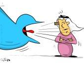 كاريكاتير صحيفة كويتية.. الحل الأمثل عند سماع شائعات على السوشيال ميديا