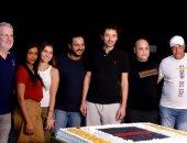 """فركش.. أبطال فيلم """"موسى"""" يحتفلون بانتهاء التصوير بصورة الكيكة"""