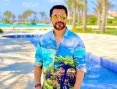 الصقر أحمد حسن فى نيولوك صيفى .. صور