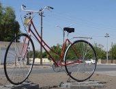 دراجة هوائية عملاقة طولها 4 أمتار فى السليمانية تخطف أنظار العراقيين.. صور