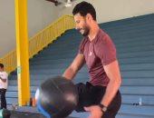 محمد الشناوى وسعد سمير يخوضان تدريبات بدنية فى الجيم