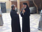 مطران الأقباط الكاثوليك بسوهاج يزور كنيسة مارجرجس بجهينة للاطمئنان على الخدمة